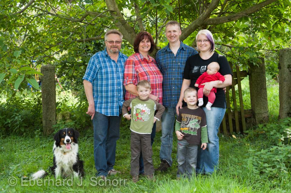 Familie Klischewski, Großeltern Hans und Erika, Sohn Markus mit Frau und den drei Enkelkindern