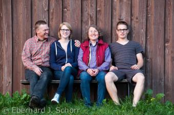 Familie Ertel auf ihrem Biohof in Ernhüll in der Oberpfalz
