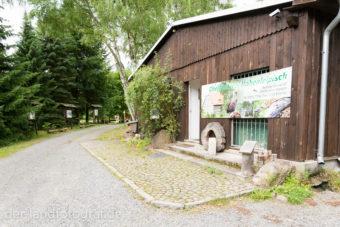 "Gebäude der Greifvogelstation ""Foersterei Oppelhainer Pechhuette"""